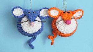 Вязаные игрушки мышки