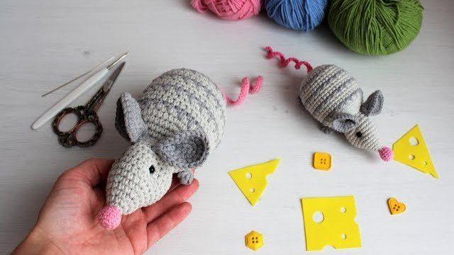 Вязаная мышка амигуруми