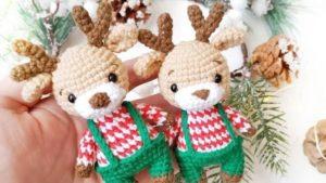 Рождественский олененок амигуруми